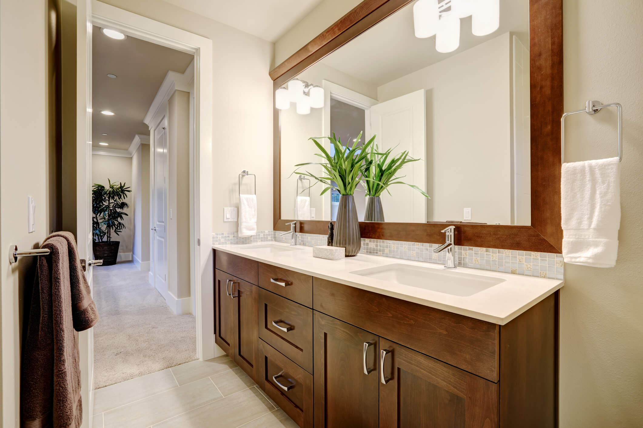 The Pros And Cons Of A Double Sink Vanity
